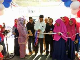 Plt Wako Pekanbaru Meresmikan Gerai Muslim Madani Mart