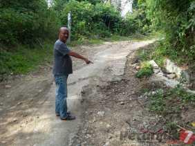 Rusak Parah, Kades Pasir Tengah (Dairi) Akan Mengusulkan Perbaikan Jalan Sepanjang 4 KM