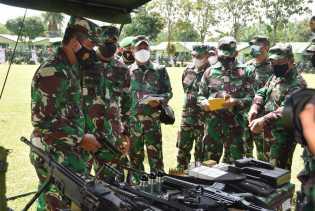 Kasdam Dan Danrem 023/KS Kolonel Inf Febriel B Sikumbang Sampaikan Ini Kepada Satgas Yonif 123/RW