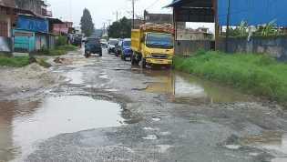 Jalan Menuju Tiga Kecamatan Kabupaten Karo Hampir Putus, Warga Minta Pemerintah Turun Tangan
