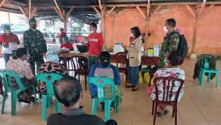 Vaksinasi Covid-19 Bagi Lansia di Desa Semangat Diintegrasikan Dengan Posbindu