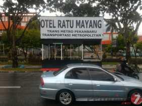 Smart City: Atap Halte Trans Metro di Ratu Mayang Butuh Diperbaiki