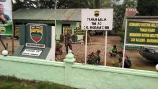 Anggota Koramil 09/Laubaleng Bersihkan Kantor, Danramil: Dapat Pererat Solidaritas Anggota