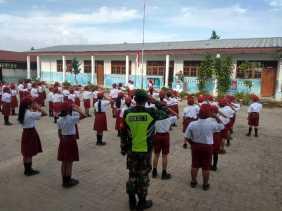 Jadi Irup, Danramil 04/SE Beri Wawasan Kebangsàan ke Siswa/i SDN 040471 Desa Merdeka