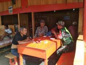 Program Binter, Babinsa Komsos dengan Warga Desa Sarimunthe