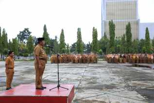 Di Akhir Masa Jabatan, Gubernur Riau Pimpin Apel Pagi bersama Ratusan ASN
