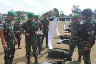 Danbrigif 7/RR Cek Kesiapan Satgas Yonif 125/Smb yang Akan Berangkat  ke Perbatasan RI-PNG