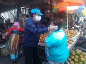 Deputi Pemberantasan BNN - RI Gelar Bagi - bagi Masker dan Sosialisasi Narkoba ke Warga di Karo
