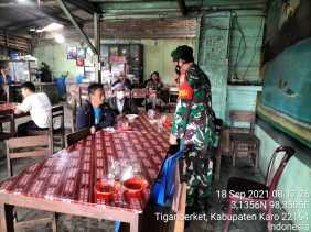 Babinsa Koramil 05/PY Lakukan Komsos untuk Sosialisasi Protokol Kesehatan