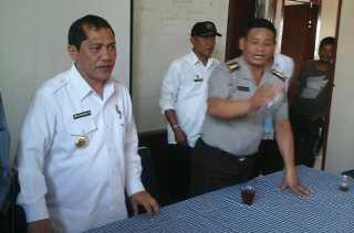 Ada Mangkir, BNN Tes Urin Pejabat Desa dan Kecamatan yang Dihadiri Bupati Karo