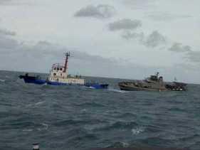 Kapal Patroli  TNI AL KRI Sibarau-847 Tenggelam di Sumatera Utara