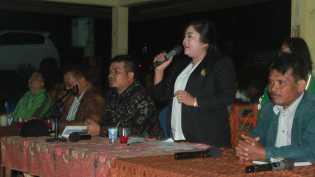 Ada 17 Usulan Warga Saat Anggota DPRD Karo (Rehulina Br Tarigan) Reses di Desa Lau Simomo