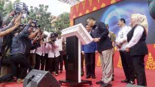 Pelayanan Terlengkap di Indonesia: Menpan RB Resmikan MPP Pekanbaru