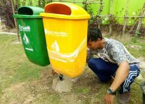 Gerakan GenBi Tentang Indonesia Bersih, Pasang Tong Sampah di RTH Kacang Mayang