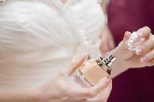 Ingin Aroma Parfum Kamu Awet dan Tahan Lama, Yuk Lihat Tulisan Ini...
