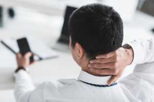 Menggunakan Ponsel Berlebihan Bisa Memicu Datangnya Penyakit