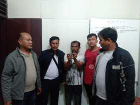Pria Ini Ditangkap Polisi di Gudang Sayur (Desa Ndokum Siroga) Terkait Narkotika