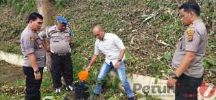 Polri Peduli Penghijauan, Kapolres Karo Secara Simbolis Tanam Pohon di Desa Peceren