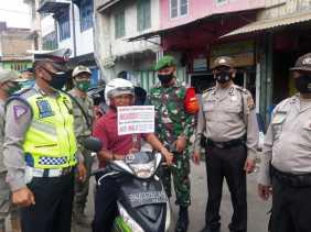 Personel TNI - Polri Serta Satpol PP Karo Gencar Sosialisasi dan Razia Terkait Pencegahan Covid 19