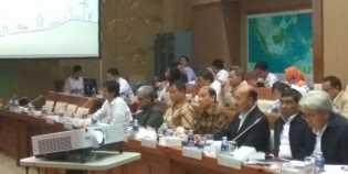 Menteri ESDM Rapat dengan DPR Bahas Freeport, Gas dan Listrik