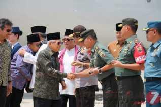 Milad ke 29 ICMI, Pangdam I/BB Sambut Kedatangan Wapres RI di Bandara Minangkabau