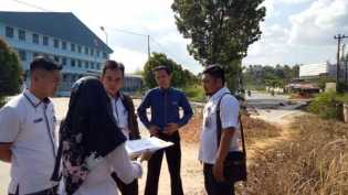 Plt Camat Tenayan Tindak Lanjuti Bencana Jalan Longsor di Hangtuah Ujung