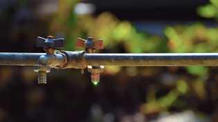 Selama Ini Mengharapkan Air Hujan,  Cerita Kepala SD 044840 Talimbaru Soal Air Bersih di Sekolah