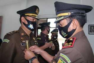 Kajari Karo Denny Achmad Pimpin Sertijab Kasi Datun dan Kasubagmin
