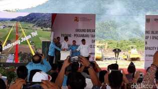 Usai Mengucapkan Bismillah, Jokowi Resmikan Proyek Tol Padang-Pekanbaru