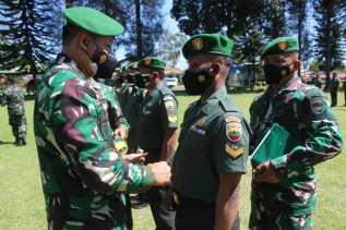 Dandim 0205/TK Pimpin Upacara Korps Raport Kenaikan Pangkat
