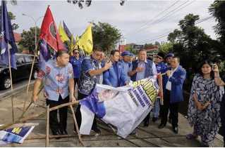 DPD Demokrat Riau Tunggu Arahan DPP Cabut Atau Tidak Laporan Perusak Atribut