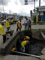 Dinas PUPR Pekanbaru Petakan Drainase yang Tersumbat Akibat Sampah
