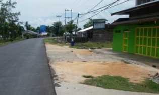 Jalan Sudirman Rusak, Warga Menuntut, Anggota DPRD Siak Apresiasi Respon PT.PN V Memperbaiki