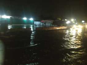 Banjir di Jalan Kharuddin Nasution, Warga: Drenase Tersumbat dan Kecil