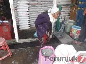 Sudah 4 Bulan Pupuk Subsidi Belum Disalurkan di Berastagi, Sarjana: Saya Akan Telepon Distributor