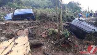 Banjir dan Longsor di Semangat Gunung: Lumpur, Bebatuan Timbun Mobil, Jalan, Lahan Pertanian...