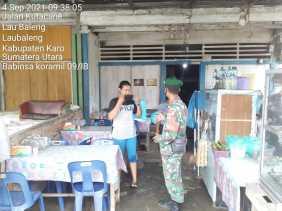 Babinsa Koramil 09/LB Laksanakan Penegakan Prokes dan Himbau Warga Terapkan 5M