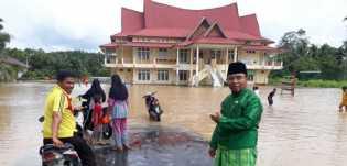 Sungai Rokan Meluap: Seorang Warga Diduga Hanyut, 257 KK Terisolasi