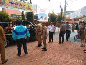 Petugas Gabungan Tertibkan Parkir Liar dan PKL di Kabanjahe, Ketua Pedagang: Jangan Cuma Sebentar