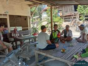 Jelang Pemilu 2019, Babinsa Koramil 07/Juhar Rutin Komsos bersama Warga Desa Siganderang