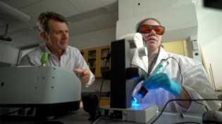 Investigasi Profesor Kimia: Air di Botol Aqua dan Nestle Mengandung 'Partikel Plastik'