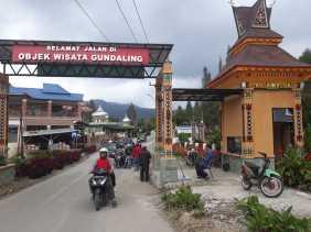 Objek Wisata Karo: Pos Retribusi Gundaling Beroperasi, dan Penertiban Pedagang dan Parkir di Trotoar