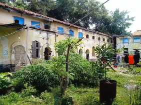 Rumah Kabel Peninggalan Belanda di Bengkalis tak Terurus