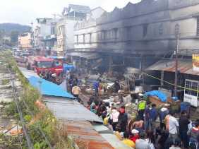 Ratusan Kios Terbakar, Labfor Polda Sumut Akan Selidiki Kebakaran Pasar Tingkat Berastagi