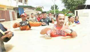 Dengan Helikopter, Kapolda Sumut Pantau Banjir di 7 Daerah