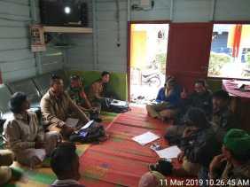 Bahas Tanaman Jagung, Babinsa dan PPL Rapat dengan Kelompok Tani di Desa Persadanta