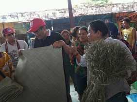 Caleg DPR RI Dapil 3 Sumut Djarot Syaiful Hidayat Blusukan ke Pasar Tiga Binanga