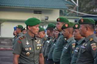 Sebelum Sertijab, Danrem 023/KS Pimpin Upacara Terakhir dan Beri Penghargaan ke Prajurit dan PNS