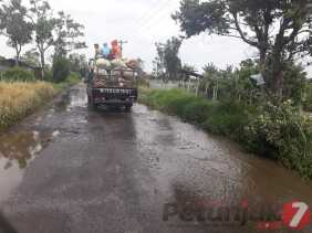 Sekitar Sebulan Ditambal Sulam, Akses Jalan Desa Ujung Aji - Aji Julu Rusak Kembali