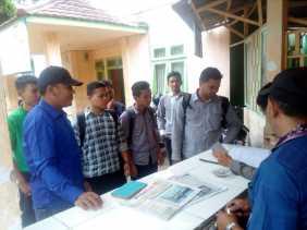 Banyak Spanduk Membuat Rusak Pohon Kota, Ini Gerakan KMMK ke Instansi di Padangsidimpuan